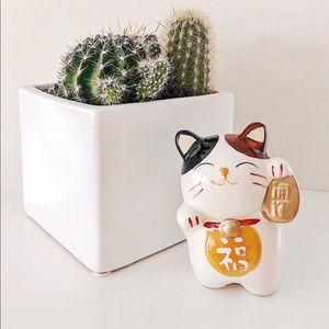 Other - Lucky Cat Sculpture